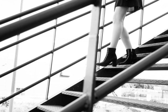 architecture-black-and-white-boots-1409354